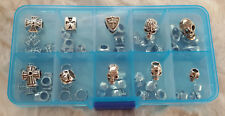 50 Skulls und Kreuze Beads Großloch Perlen Paracord Lanyard Sortierbox Set 3