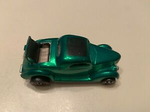 1969 Hot Wheels Redline '36 Ford Coupe Green Champagne Interior Vintage