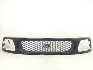 Grille 97-2004 Ford F-150 97-99 F-250 F65B-8200-CLW OEM
