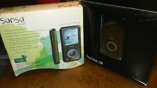 SanDisk Sansa E260 4 GB MP3 Player with Micro SD Expansion Slot