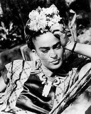 FRIDA KAHLO MEXICAN PAINTER - 8X10 PHOTO (WW165)
