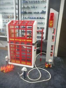 Playmobil - (V012) - City Live - Feuerwehr - 5361 Feuerwache mit Sirene