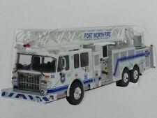 1/43 Ixo Smeal 105 Aerial Ladder weiß US Firetruck Pompiers Feuerwehr 98