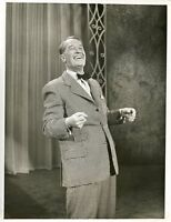MAURICE CHEVALIER SMILING SINGING THE ED SULLIVAN SHOW ORIGINAL '58 CBS TV PHOTO