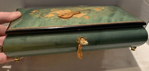 Vintage Porter Would Inlaid Musicbox Made In Italy