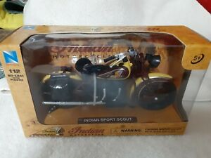 New Ray Toys 1:12 Scale Die Cast Toy Replica Indian Sport Scout 1934 Yellow