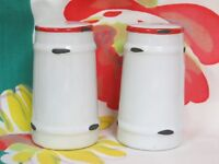 Kennedy's Country Collection 1 Set Salt & Pepper Shakers White With Red Trim NWT