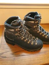 Scarpa Manta Boots Size 43