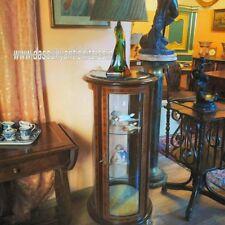Vetrina-cristalliera tonda stile francese con piano in marmo