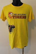 Melbourne Tigers NBL Basketball Men's T-Shirt Size Large Signed By 15 Players
