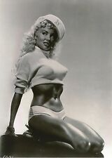"Usa   """"  5 x 7 Inch """" Photo  -- Pin Up Girl <<>> 1950`s."