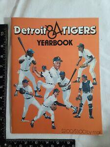 VINTAGE 1984 DETROIT TIGERS BASEBALL YEARBOOK