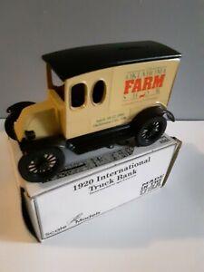 International 1920 Oklahoma farm show Truck Bank 1/25 scale. Diecast metal.