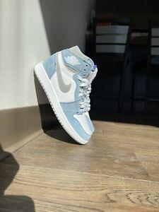 Size 9 - Jordan 1 Retro High OG Hyper Royal
