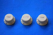 Fender Soft Touch Strat Knob Set in Aged White, MPN 0992008000