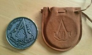 """Assassin's Creed III - """"Join or Die"""" Medallion Coin & Pouch - Official"""