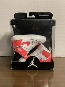 Sz 3c- Air Jordan 1 crib bootie pink/white sneakers new with box!! AT3745-116