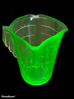 Vintage Art Deco Handle Uranium Glass Measuring One Cup