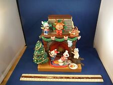 "Enesco Moving Christmas Mice ""Santa Claus Is Coming To Town"" Music Box"