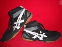Asics Matflex (J100N) Wrestling Athletic Mens Shoes Black-White Color Size 11.5