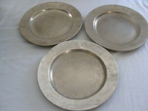 """Vintage RWP Wilton Armitale 10.5 """" Dinner Plate  Charger Colonial Crest Lot of 3"""