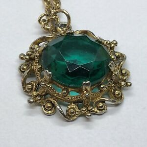 Stylish Antique-Look Green Stone Necklace (JW)