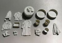 1/35 Resin Soldier Clothes Bucket Shoes Set Unpainted Unassembled QJ016