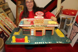 """Large Vintage 1950's Marx Service Center Gas Station 26"""" Metal Toy W/Cars Sign"""