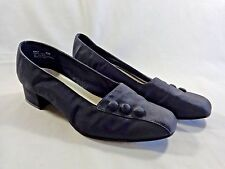 "MADELINE STUART Savy Low Pumps Size 8.5 M BLACK Fabric Buttons 1.5"" Block Heel"