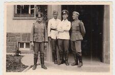 (F27356) Orig. Foto Marburg, Tannenbergkaserne, Soldaten am Gebäude 1939