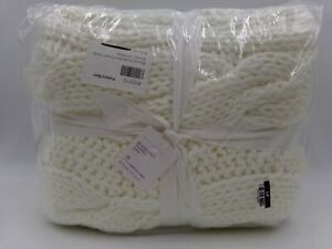 Pottery Barn Bluma Chunky Knit Tassel Throw Off White #9216