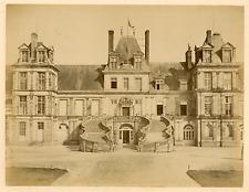France, Fontainebleau, la cour des adieux, l'escalier du fer à cheval  Vint