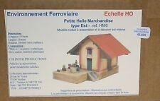 Colinter Productions : Petite Halle marchandises Type Est + quai - HO - ref. HM6