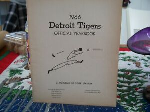 Detroit Tigers Official Yearbook 1966 Souvenir Of Tiger Stadium