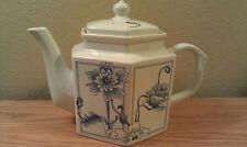 Teapot Ceramic Porcelain Floral Toscany Collection 32 oz Japan