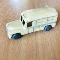 Moko Lesney / Matchbox No 14 a Daimler Ambulance