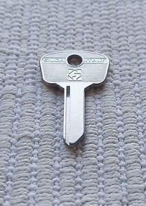 Fiat 1100 1300 1500 124 500 600 Multipla 850 key blank AF5A