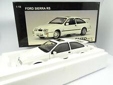 Auto Art 1/18 - Ford Sierra RS Blanche RHD