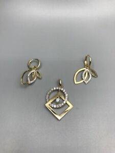 9ct gold pendant and earrings set