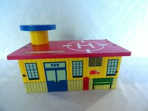 Thomas the Train & Friends Wooden Hospital Building with Helipad