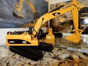 DIECAST MASTERS CAT 320D L Die-cast Metal Replica 1/50 85214 Brand New.........!