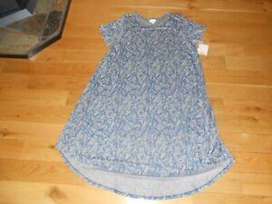 """NWT LULAROE """"CARLY"""" BLUE & WHITE SHORT SLEEVE DRESS SIZE 3XL"""