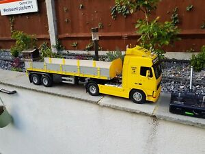 Tamiya 1/14 Volvo FH12 Globetrotter top spec/many extras and a one off trailer