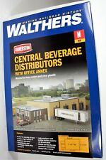 Walthers N Scale Central Beverage Distributors w/ Office Annex 933381