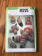 Vintage 1977, UnCut SIMPLICITY Sewing Pattern #8225, 5 Stuffed Circle Toys Dolls
