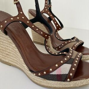 BURBERRY BROWN LEATHER STUDDED WEDGE HEEL SANDALS SIZE EURO 39