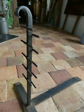 RARE Beau Porte support de grille Fer forgé volutes pour cuisson foyer cheminée