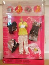 Barbie FASHION FEVER CLOTHES CLOSET MIX AND MATCH j6910