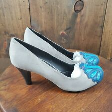 Women's Tuk Pump Heels Shoes Size Size 6 US Silver Blue Leather Peacock Peep