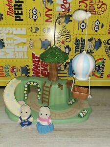 Sylvanian families primrose Park with 2 figures